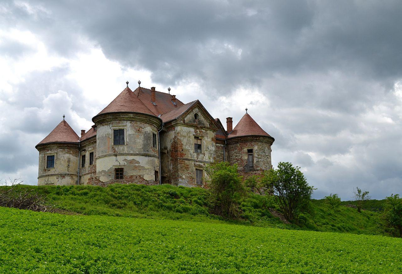 Castelul Pekri 2